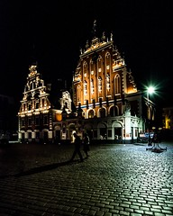 House of the Black Heads, Riga, Latvia (Davide Tarozzi) Tags: houseoftheblackheads riga latvia night nightshots streetphotography