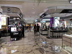 2019-09-FL-221817 (acme london) Tags: beijing bookmatchedmarble bookmatchedstone china cosmetics flooring luxury mall marble mirrorpolishedstainlesssteel retail signageband skpmall stalls sybarite