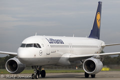 D-AIUY Airbus A320 Lufthansa Glasgow airport EGPF 24.08-19 (rjonsen) Tags: plane airplane aircraft aviation airliner airside taxying