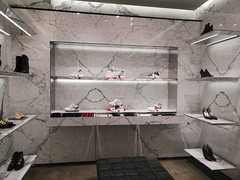 2019-09-FL-221957 (acme london) Tags: beijing bookmatchedmarble china luxury mall retail skpmall sybarite