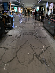 2019-09-FL-221827 (acme london) Tags: beijing bookmatchedmarble bookmatchedstone china flooring luxury mall marble retail skpmall sybarite
