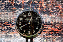 Shinola (DetroitDerek Photography ( ALL RIGHTS RESERVED )) Tags: allrightsreserved 313 detroit urban downtown clock watch motown icon local manufacture make round face omtorcity nothdr canon 5d mkii digital eos september 2019 detroitderek usa america wall red brick