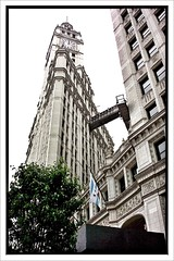 Chicago II ~ Wrigley Building (Chewing Gum Industry) ~ On a Misty Day ~ Historic (Onasill ~ Bill Badzo - 67 M) Tags: chicago il illinois nrhp cook county north michigan ave near side skyscraper magnificent mile district registry historic building onasill architect graham andrew probst white architecture company chewing gum giralda tower sevilles cathedral french renaissance glazed terra cotta wrigley first air conditioning towers headquarters tourist tourisum attraction architects us national gothic misty day mono monochrome
