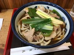 Soba toppedwith boiled pork and spring onion from Kadoman @ Asakusa (Fuyuhiko) Tags: soba toppedwith boiled pork spring onion from kadoman asakusa そば 蕎麦 ソバ 角萬 浅草 肉南 東京 tokyo