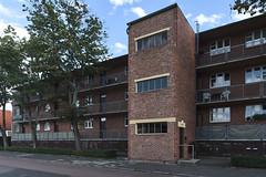 QWZ01033 (qwz) Tags: дессау баухаус dessau bauhaus architecture balcony redbrick