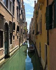 When I saw this view the sun aligned in a way that made this canal look incredible.  #europe #italy #italia #venice #venezia #veneto #venise (pinus.acer) Tags: when i saw this view sun aligned way that made canal look incredible europe italy italia venice venezia veneto venise