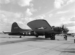 "B-17G ""Sally B"" (LarsHolte) Tags: 645 pentax 6x45 pentax645 645n blackandwhite bw 120 film monochrome analog mediumformat denmark ishootfilm 120film f45 airshow analogue rodinal bomber danmark foma 100iso filmphotography sallyb fomapan b17g classicblackwhite homeprocessing aph09 filmforever smcpentaxfa 4585mm fomapan100classic larsholte roskilde"
