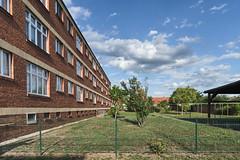 QWZ01038 (qwz) Tags: дессау баухаус dessau bauhaus architecture balcony redbrick