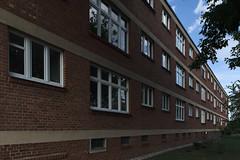 QWZ01022 (qwz) Tags: дессау баухаус dessau bauhaus architecture balcony redbrick