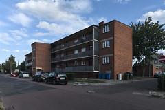 QWZ01019 (qwz) Tags: дессау баухаус dessau bauhaus architecture balcony redbrick