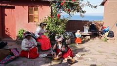 Indians ecological laundry (Chemose) Tags: plant peru laketiticaca ecology plante community indian sony may mai laundry indien hdr pérou écologie communauté lessive lactiticaca ilce7m2 alpha7ii