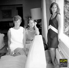 June Fisher amb Minja Ivanovic i una amiga (Arxiu del So i de la Imatge de Mallorca) Tags: majorca mallorca pollença formentor dones mujeres women
