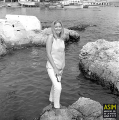 Kate Hughes (Arxiu del So i de la Imatge de Mallorca) Tags: majorca mallorca dones mujeres women costa coast rocas roques rocks capdepera calarajada