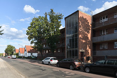 QWZ01045 (qwz) Tags: дессау баухаус dessau bauhaus architecture balcony redbrick