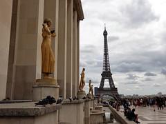 Paris - Trocadéro (EduOrtÍn.) Tags: torreeiffel paris francia trocadéro escultura estatua