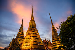 Wat Pho chedis at sunset
