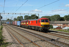 90019 90039 Mancetter (CD Sansome) Tags: mancetter atherstone wcml west coast main line train trains db schenker cargo ews english welsh scottish railway skoda 90 90019 90039 4m25 mossend euroterminal daventry dirft