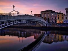 Ha'Penny Bridge (Jim Nix / Nomadic Pursuits) Tags: jimnix nomadicpursuits photography travel dublin ireland hapennybridge sunrise luminar europe