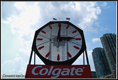 THE COLGATE CLOCK. JERSEY CITY. (Alberto Cervantes Photography.) Tags: clock colgate jerseycity city jersey time hours hour sky nubes clouds building writing sign text texture thecolgateclock icono iconic retrato portrait indoor outdoor blur photography photoborder photoart art creative luz light color colores colors brillo bright brightcolors
