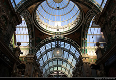County Arcade, Victoria Quarter, Leeds, UK (JH_1982) Tags: county arcade victoria quarter shopping shops retail stained glass work ceiling roof architecture architektur landmark building historic historisch glazed barrel decoration art artwork glas terracotta lamp lamps leeds 利兹 リーズ 리즈 лидс england inglaterra angleterre inghilterra uk united kingdom vereinigtes königreich reino unido royaumeuni regno unito 英国 イギリス 영국 великобритания