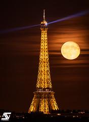 Moonrise (A.G. Photographe) Tags: ag agphotographe paris parisien parisian france french français europe capitale d850 nikon sigma 150600 toureiffel eiffeltower fullmoon moonrise