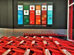Carros en Eroski (Eroski y Caprabo) Tags: eroski eroskicontigo super supermercado hiper hipermercado center city centro comercial nuevo zurekin clientes carros carritos