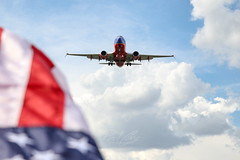 #NeverForget (RaulCano82) Tags: usa flag boeing boeing737 raulcano canon canon80d photography airplane aviation avgeek jet swapic southwestair southwestairlines america redwhiteandblue 911 september11 remember neverforget