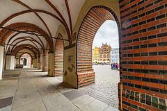 Stralsund - Rathaus am Alten Markt (++sepp++) Tags: architektur deutschland stralsund unesco germany mecklenburgvorpommern architecture backsteingotik backstein gotik gothic gewölbe arch roof altermarkt welterbe worldheritage hdr