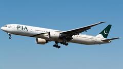 PIA Boeing 777-340/ER AP-BHW (StephenG88) Tags: londonheathrowairport heathrow lhr egll 27r 27l 9r 9l boeing airbus august25th2019 25819 myrtleavenue renaissanceheathrow pakistaninternationalairlines pia pk 777 77w 777300er 777340er apbhw