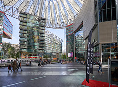 Berlin Potsdamer Platz - Sony Center (micharl_foto) Tags: berlin potsdamerplatz sonycenter glasdach zeltdach architektur sony