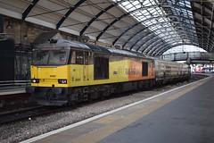 60087 passing Newcastle (Tom 43299) Tags: train gbrailfreight gbrf class60 60087 newcastlerailwaystation newcastle