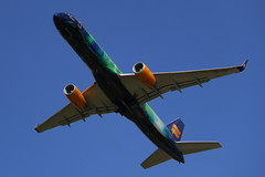Aurora Borealis in the sky (Elbmaedchen) Tags: boeing 757 auroraborealis icelandair tffiu hamairport heklaaurora jet fuhlsbüttel aviation b757 flugzeug mystopover aircraft