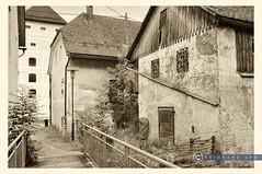 Oberösterreich Weyer_DSC0392ASW (reinhard_srb) Tags: weyer lost place artwork vintage schüttkasten brücke innenhof laterne dachrinne zaun oberösterreich