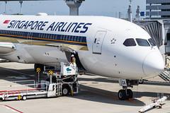 SINGAPORE AIRLINES B787-10 DREAMLINER 9V-SCA 001 (A.S. Kevin N.V.M.M. Chung) Tags: aviation aircraft aeroplane airport airlines apron gate ramp sq singapore kix kansai boeing b787 b78710 dreamliner closeup