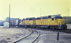 Union Pacific GP30 and GP35 locomotives working at Omaha in 1984 0720 (Tangled Bank) Tags: train railroad railway old classic heritage vintage history historical north american equipment union pacific gp30 gp35 locomotives working omaha 1984 0720