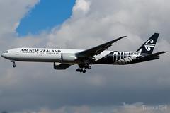ZK-OKR | Air New Zealand | Boeing 777-319(ER) | LHR/EGLL (Tushka154) Tags: boeing unitedkingdom airnewzealand london 777319er 777 777300 spotter zkokr heathrow aircraft airplane avgeek aviation aviationphotography boeing777 boeingtripleseven planespotter planespotting spotting tripleseven uk