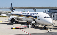 SINGAPORE AIRLINES B787-10 DREAMLINER 9V-SCA 002 (A.S. Kevin N.V.M.M. Chung) Tags: aviation aircraft aeroplane airport airlines apron gate ramp sq singapore kix kansai boeing b787 b78710 dreamliner