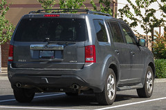 2012 Honda Pilot (mlokren) Tags: car spotting photo photography photos pic picture pics pictures pacific northwest pnw pacnw oregon usa vehicle vehicles vehicular automobile automobiles automotive transportation outdoor outdoors 2012 honda pilot suv cuv crossover gray awd 4wd
