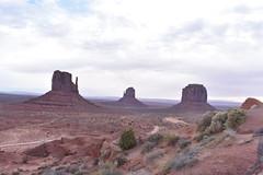 THE MITTENS (SneakinDeacon) Tags: monumentvalley landscape redrocks rockformations navajonation scenicdrive bucketlist