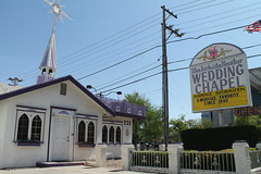 Wee Kirk o' the Heather (Flint Foto Factory) Tags: las vegas nevada henderson county urban city late summer september 2019 downtown weekirk othe heather 231 slasvegasblvd lasvegasblvd bridger intersection wedding chapel opened 1940 marriage front facade sign signage beingthere american flag open since
