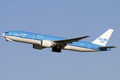 PH-BQK (JBoulin94) Tags: phbqk klm asia royal dutch airlines boeing 777200 washington dulles international airport iad kiad usa virginia va john boulin