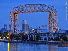 Aerial Lift Bridge at dusk, 16 July 2019 (photography.by.ROEVER) Tags: minnesota 2019 july july2019 vacation roadtrip 2019vacation 2019roadtrip minnesota2019roadtrip minnesota2019vacation duluth stlouiscounty bridge liftbridge aerialliftbridge dusk aftersunset evening lakesuperior lake water greatlakes canalpark fitgersbrewery usa