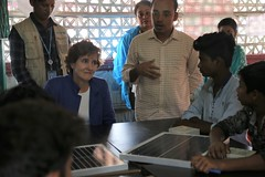 Alice Albright visits Cox's Bazar, Bangladesh. September 2019 (Global Partnership for Education - GPE) Tags: gpe globalpartnershipforeducation bangladesh coxsbazar rohingya refugees camps learningcenter schools refugeeeducation primaryeducation children alicealbright