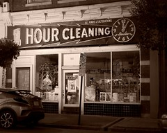 night winds whisper to me (i saw the Sign) Tags: sign signage roanoke virginia va onehourcleaning cleaners drycleaners allkindsofalterations