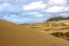 Valley of Sand (Martinionice) Tags: dunes dune city oregon coast sand clouds hike hot summer vacation usa road trip