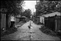 Indianapolis (icki) Tags: august2019 in indiana indianapolis alley blackandwhite nopeople