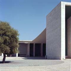 Pavelló de Portugal (robjahn94) Tags: alvaro siza vieira portra 160 lisbon lissabon expo 98 zenza bronica sq ai zenzanon architektur architecture moderne modernism minimalismus minimalism