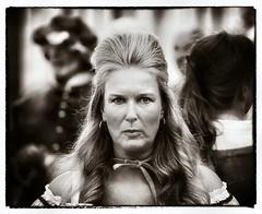 Dame aan de Oude Delft (Gerard Stolk ( vers le toussaint)) Tags: delft openmonumentendag dame