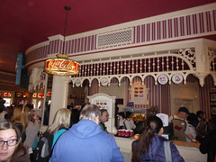 Florida Day 17 - 031 Magic Kingdom Caseys Corner Hot dogs (TravelShorts) Tags: wdw walt disney world florida orlando magic kingdom disneys hollywood studios meet characters character greet meeting tinkerbelle tinker belle mickey mouse theatre town square funnel cake food dining caseys corner hot dog sofia first vampirina doc mcstuffins star wars bb8 galaxy far away one mans dream toy story land slinky dash andys lunchbox cinderellas royal table snow white ariel jasmine aurora happily ever after fireworks travel travelshorts day 17