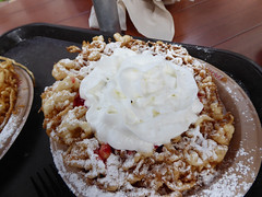 Florida Day 17 - 025 Magic Kingdom Sleepy Hollow Refreshments Funnel Cake (TravelShorts) Tags: wdw walt disney world florida orlando magic kingdom disneys hollywood studios meet characters character greet meeting tinkerbelle tinker belle mickey mouse theatre town square funnel cake food dining caseys corner hot dog sofia first vampirina doc mcstuffins star wars bb8 galaxy far away one mans dream toy story land slinky dash andys lunchbox cinderellas royal table snow white ariel jasmine aurora happily ever after fireworks travel travelshorts day 17